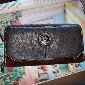 Dooney &Bourke all leather long wallet nice